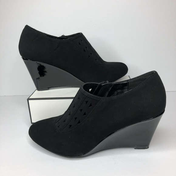 8c91d9f081e2 Impo Shoes - Impo Black Suede Wedge Zip Ankle Booties Sz. 8.5
